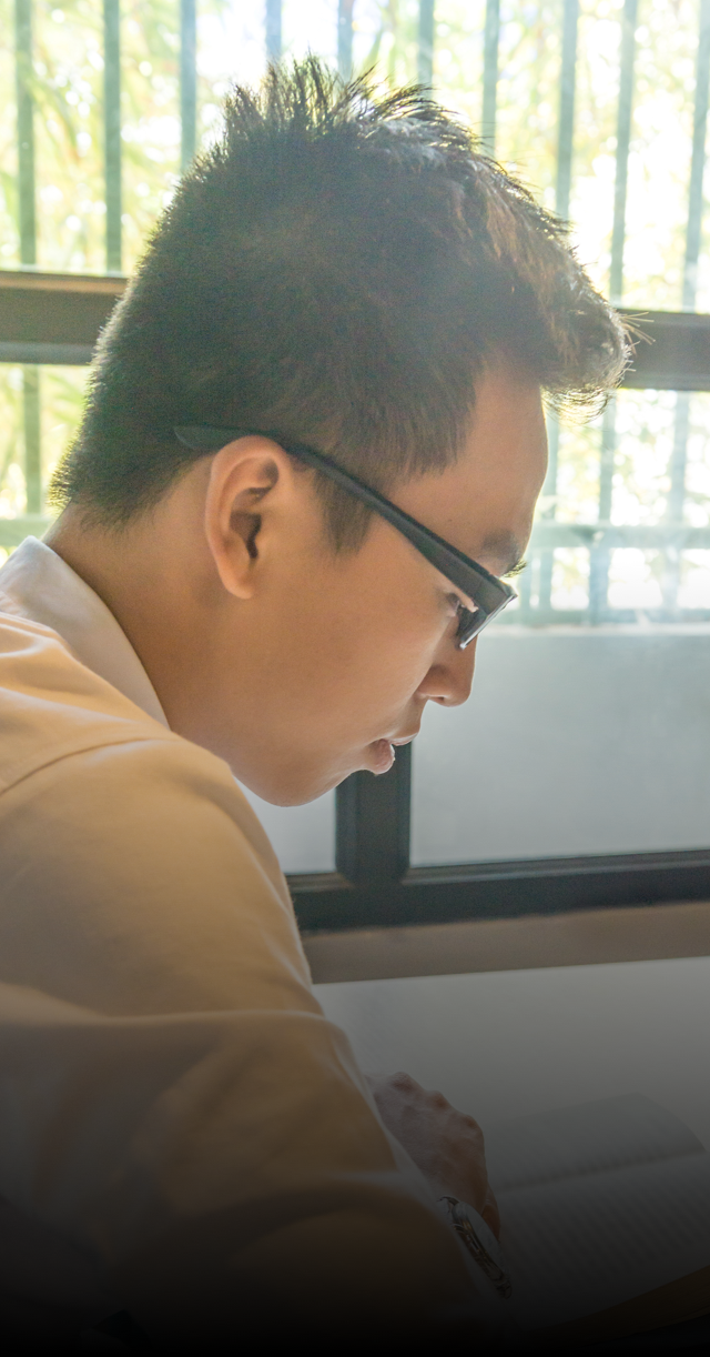vietnamese-seminarian-reading